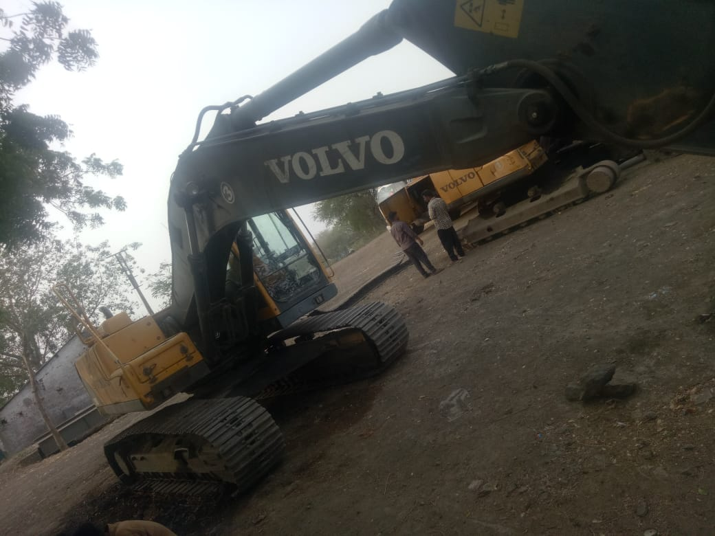 Excavator for Rent, Used Excavators for Sale in India - Equipment